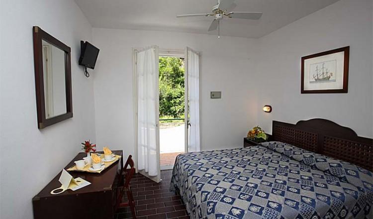 hotel-antares-12